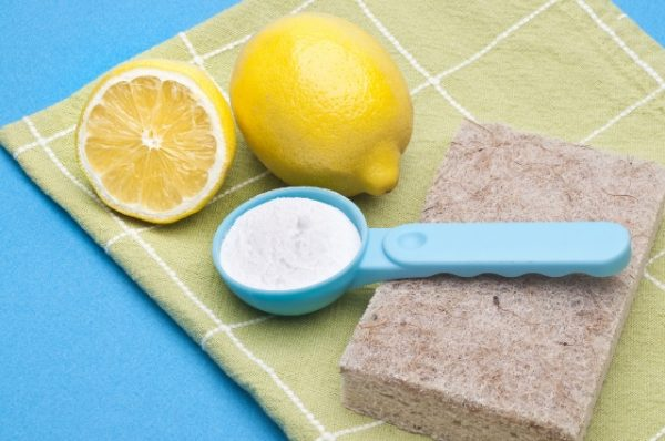 Как очистить сковороду солью и лимонной кислотой
