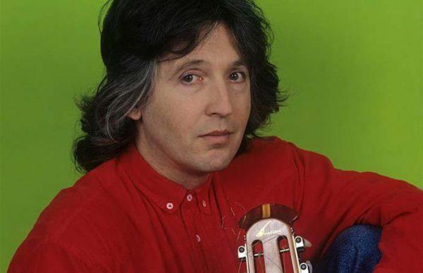 Известный музыкант в молодости