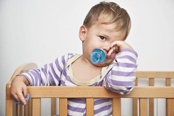 Соску можно давать ребенку только при сильном возбуждении
