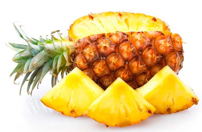 При употреблении ананаса сбрасываются лишние килограммы