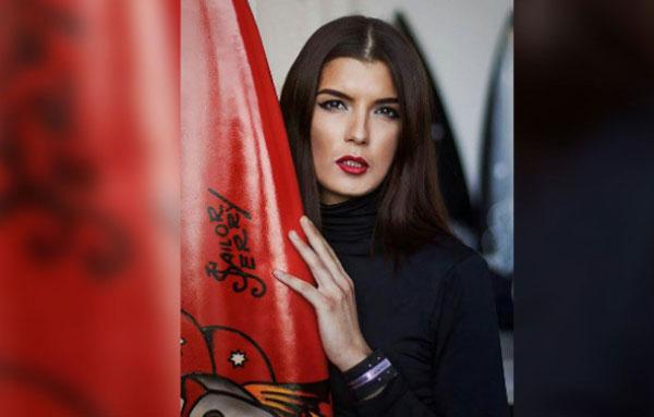 Политова работала моделью