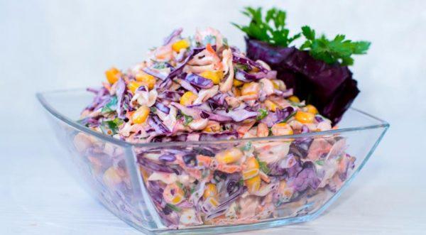 Американский салат из красной капусты