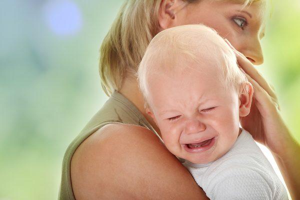 При боли в ушах у ребенка помогут рецепты народной медицины