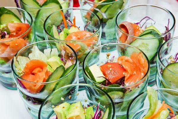 Салат с авокадо и тунцом консервированным