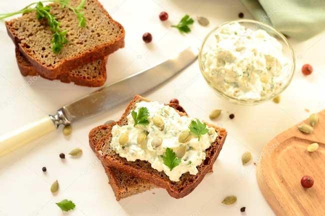 Бутерброд с семечками
