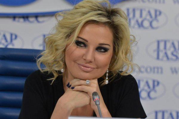 Дочь Петера Мария Максакова в данный момент проживает в Украине