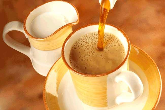 Детям младше 3х лет пить чай с молоком нельзя