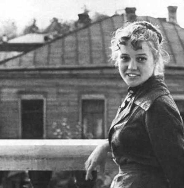 Екатерина Шаврина в юности
