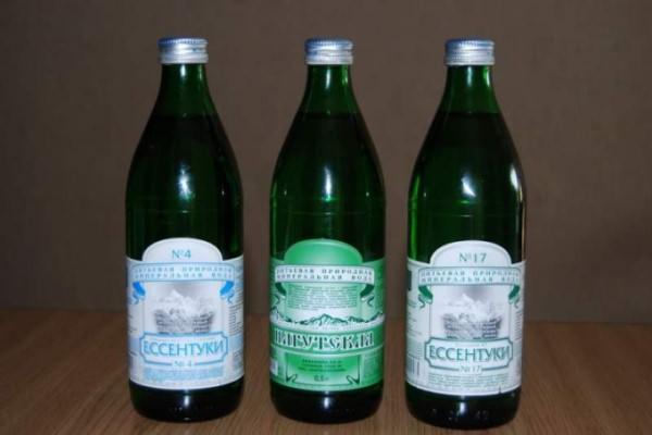 """Минеральную воду """"Ессентуки 4"""" полезно пить при гастрите"""