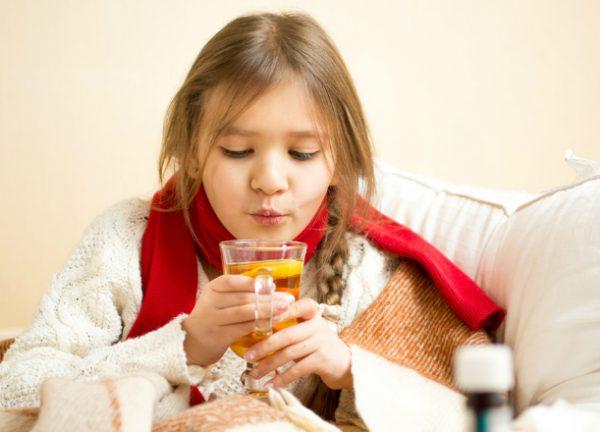 Давайте ребенку пить больше жидкости