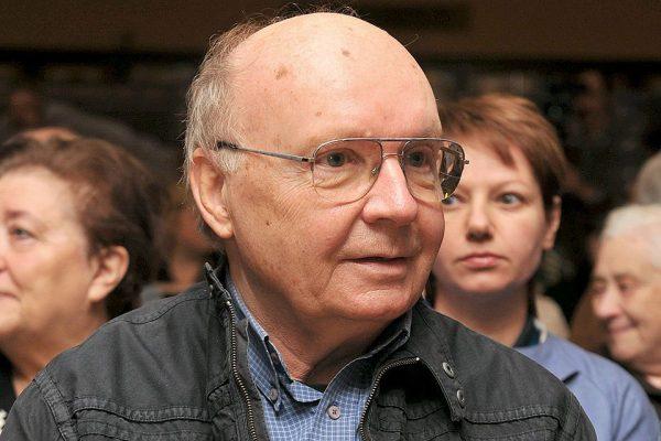 Андрей Мягков попал в больницу с острым панкреатитом