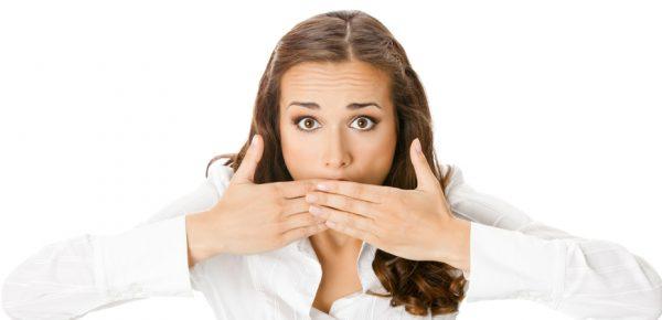 Полоскание рта перекисью водорода избавит от неприятного запаха