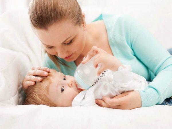 Как отучить ребенка от груди подскажет и лечащий врач