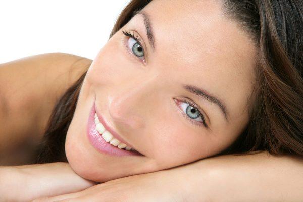 Шелушится кожа на лице: что делать, способы устранения