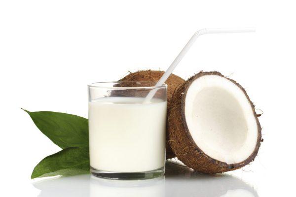 Кокосовое молоко можно приготовить в домашних условиях