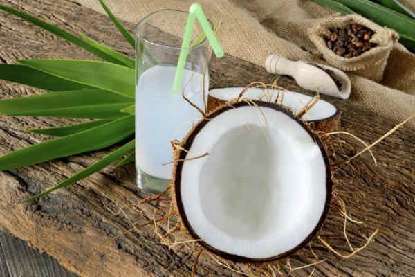 В кокосовом молоке содержится большое количество витаминов