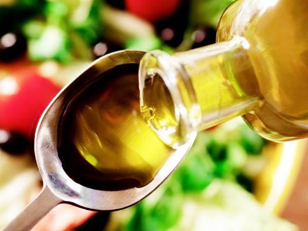 Масло оливы можно использовать в качестве заправки для салата
