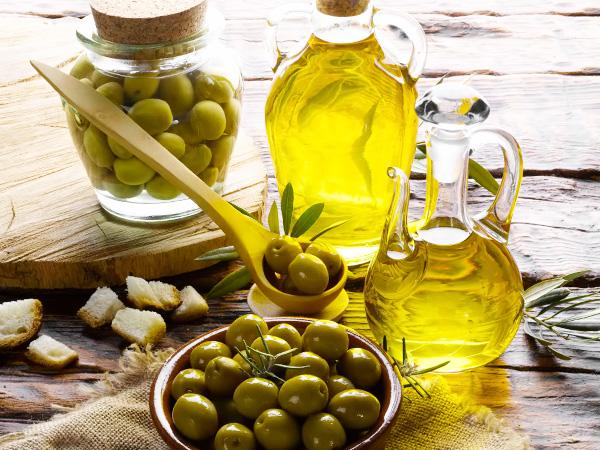 Оливковое масло нужно очень осторожно давать маленьким детям