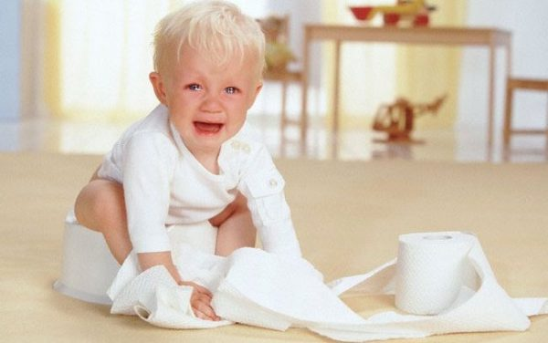 Маленьким детям горшок может доставлять большой дискомфорт