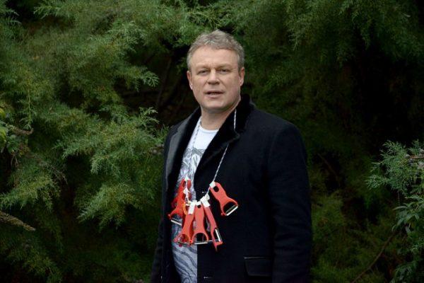 """Жигунов на съемках фильма """"""""Беглые родственники"""""""