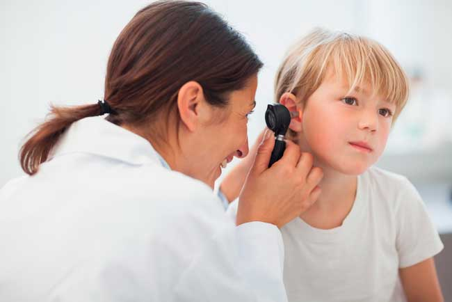 Компрессы могут ослабить боль в ухе