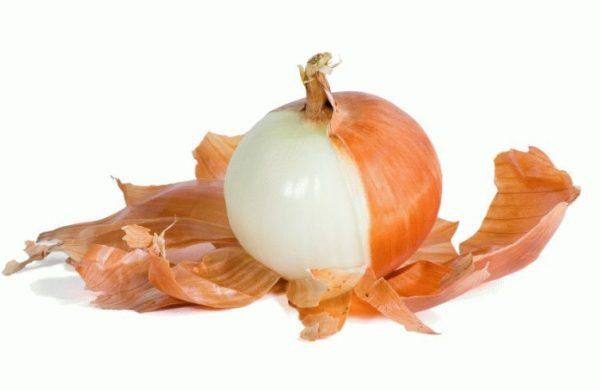 В луковой шелухе содержится большое количество полезных веществ