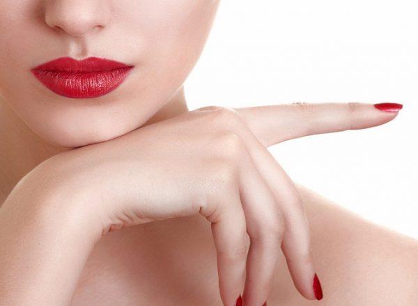 При наличии аллергических реакций татуаж выполнять не рекомендуется