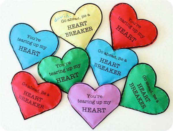 Бумажные сердечки с конфетами