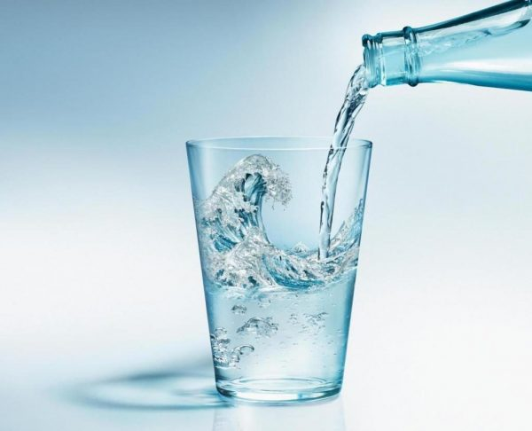 Пить минеральную воду можно только после назначения лечащего врача
