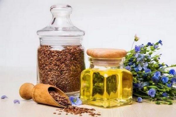В льняном масле содержаться полиненасыщенные жирные кислоты
