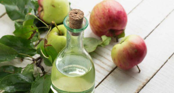 Яблочный уксус не желательно применять при язве желудка и панкреатите