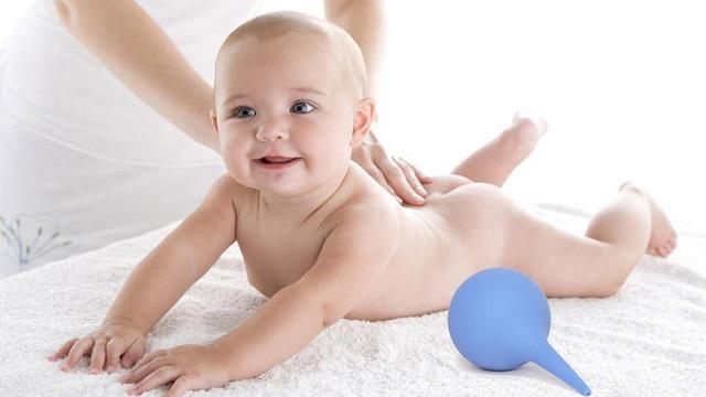 Клизма при запоре у новорожденного ребенка