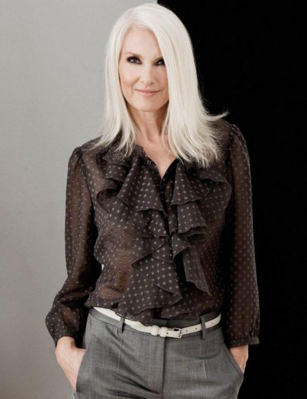 Модная блуза с воланами