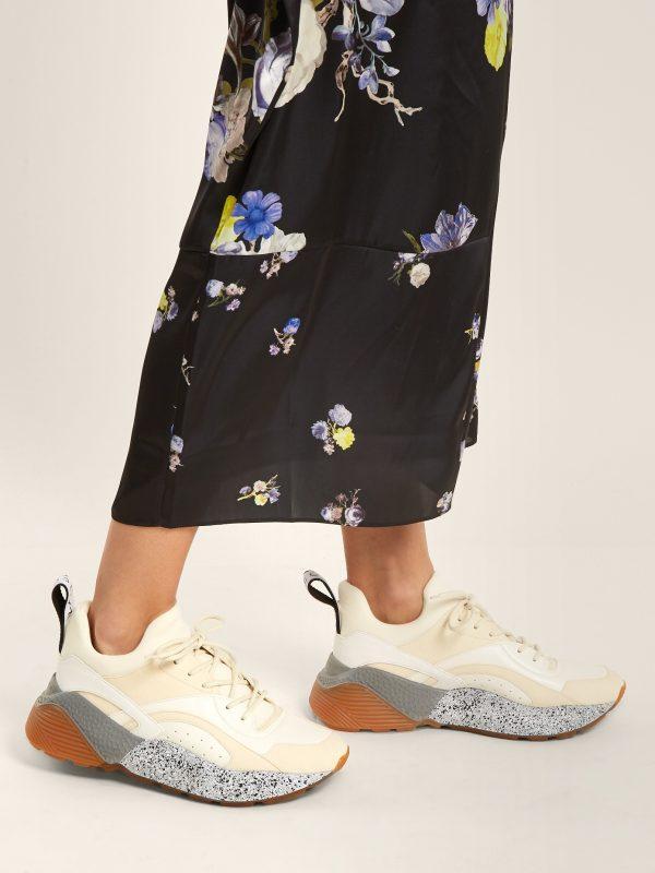 Модные кроссовки для женщин и мужчин