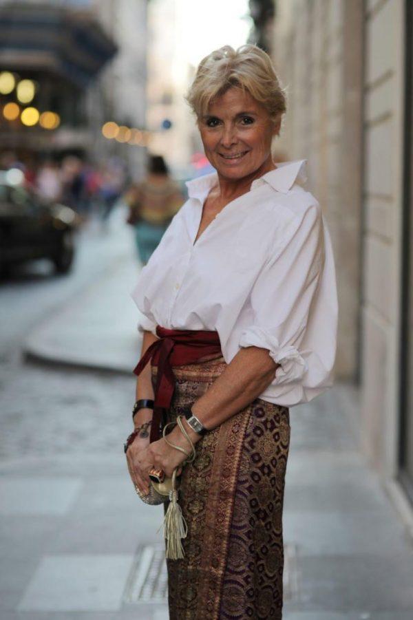 Сочетание длинной юбки и облегающей блузы