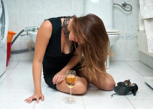 Алкоголь тоже всасывается, в основном, в тонком кишечнике, поэтому взаимодействие с антибиотиком нарушит концентрацию вещества, требуемого для успешного излечения