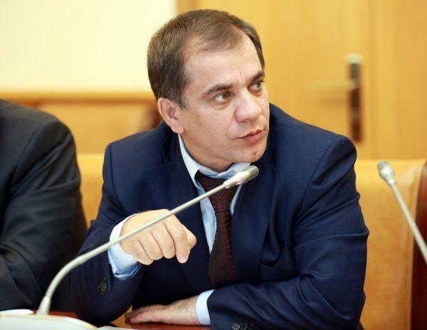 Раюдин Юсуфов председатель правительства Дагестана