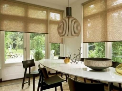 Бамбуковые шторы привнесут в интерьер кухни экзотические нотки