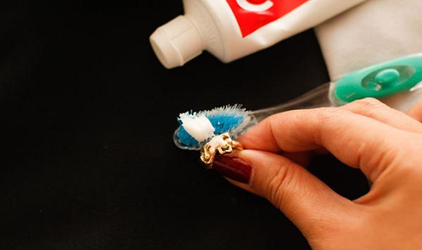 Зубная паста для чистки золота