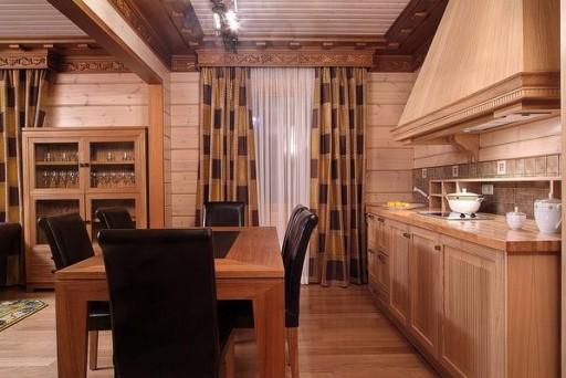 Классические шторы с геометрическим рисунком Источник: http://kitchenguide.su/dizain/idei/shtory-dlya-kuxni.html