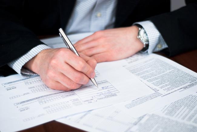 Документы на регистрацию подаются в налоговый орган