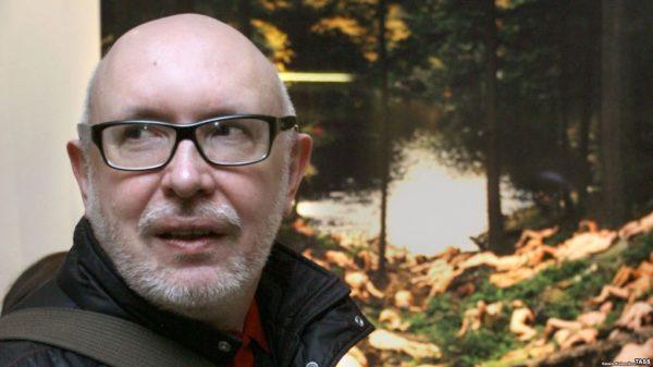 Шаталов занимался консультационной деятельностью Союза писателей