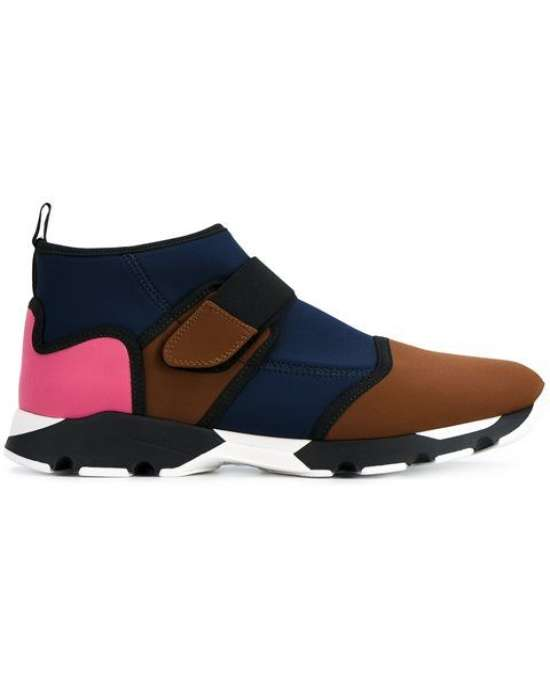 Высокие модели кроссовок