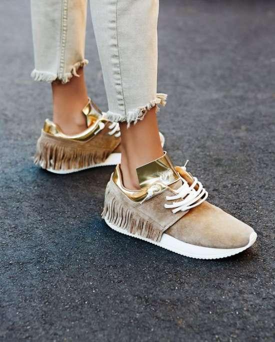 Кроссовки с бахромой