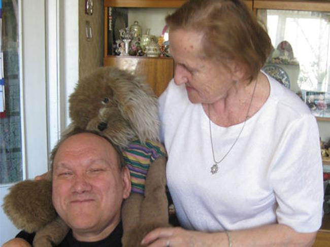 Условия жилья Юрия Кондрашина ужаснули журналистов