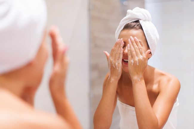 Процедура умывания с мылом