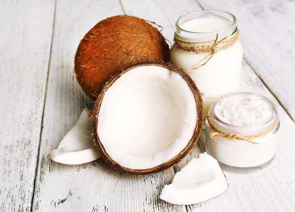Масло кокоса широко используется в косметологии