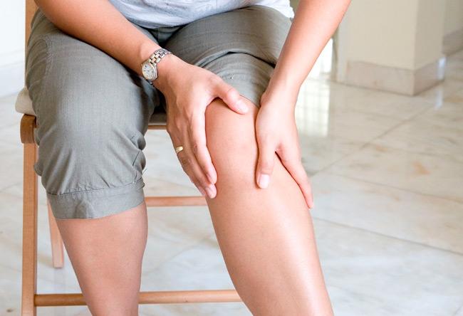 Болевые ощущения в ногах один из симптомов повышенного холестерина