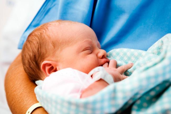 Необходим уход врачей за малышом