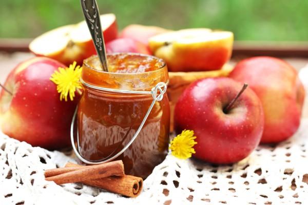 Ароматное яблочное варенье с корицей